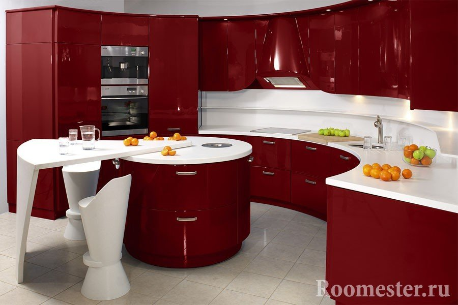 Бордовый фасад кухни