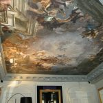Оформление потолка под старину