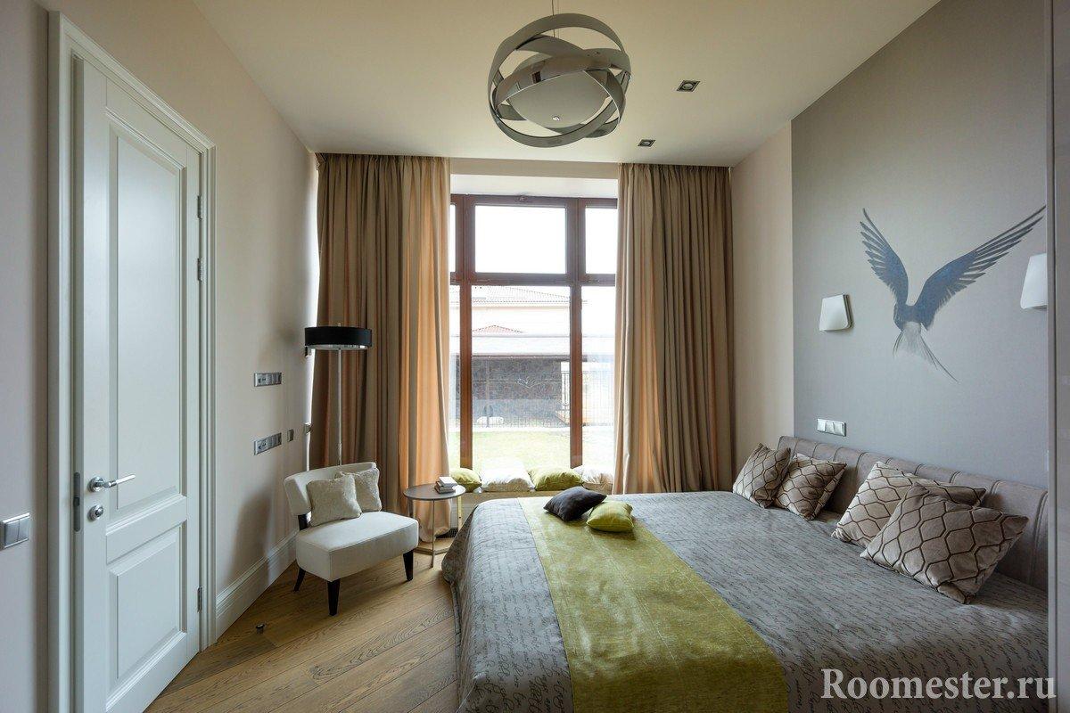Комната с панорамным окном