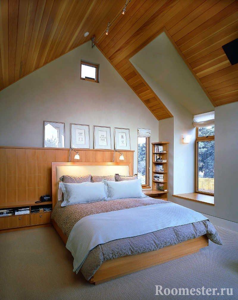 Спальня на втором этаже дома