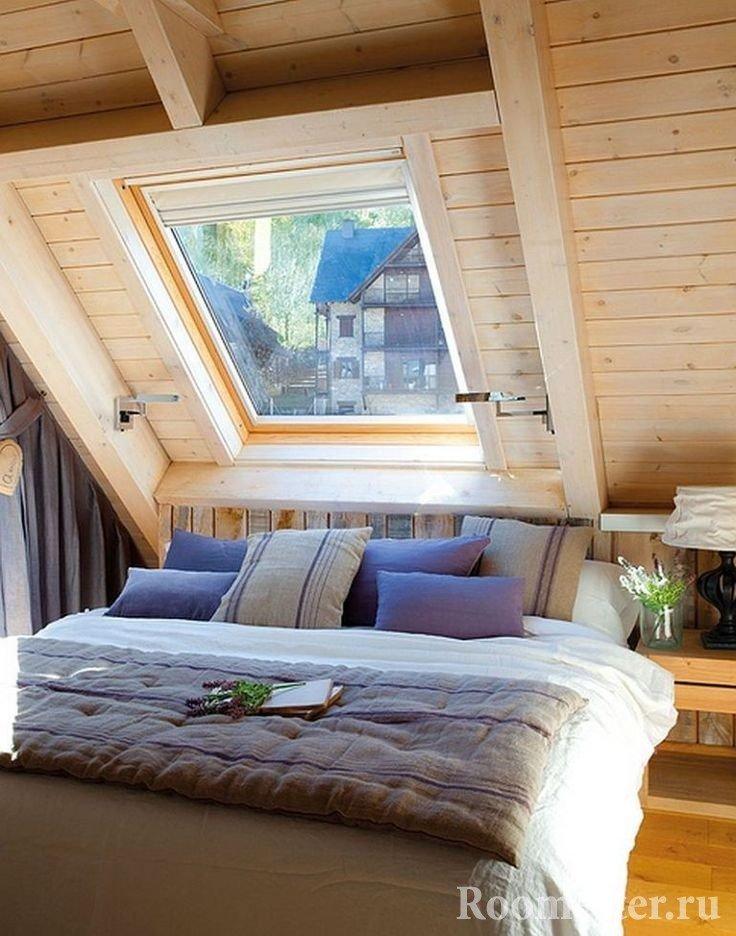 Спальное место под окном