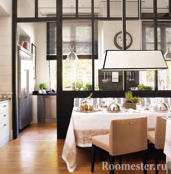 Разделение зоны кухни и столовой перегородкой