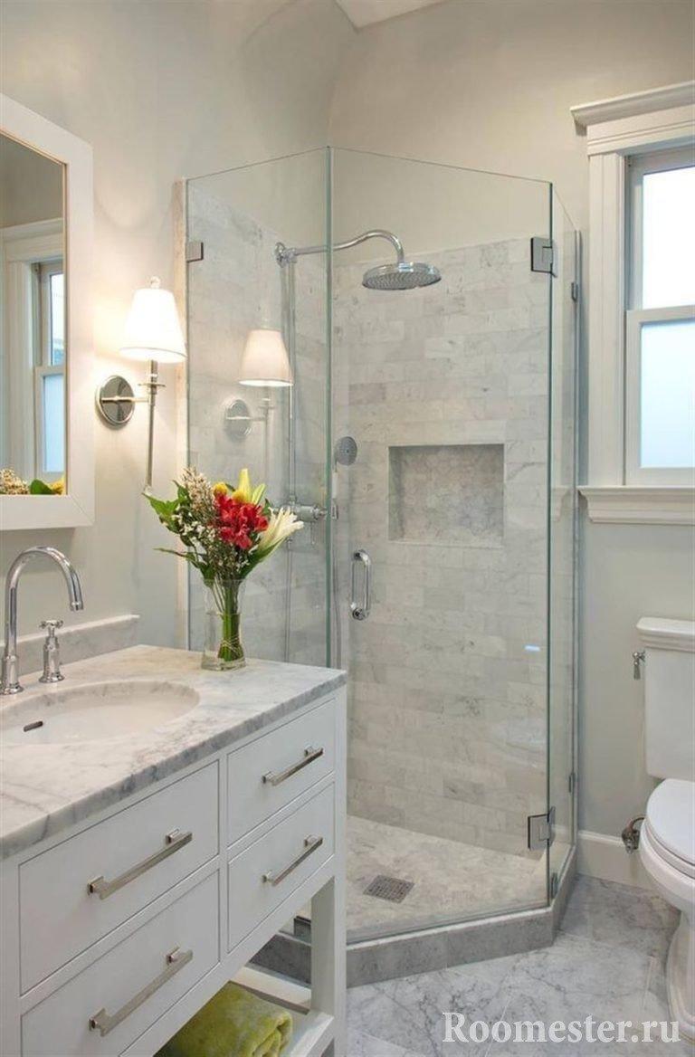 Интерьер ванной в мраморе