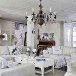 Просторная гостиная комната