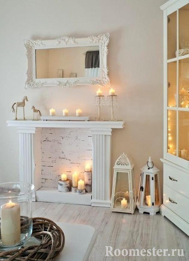 Размещение свечей в декоративном камине