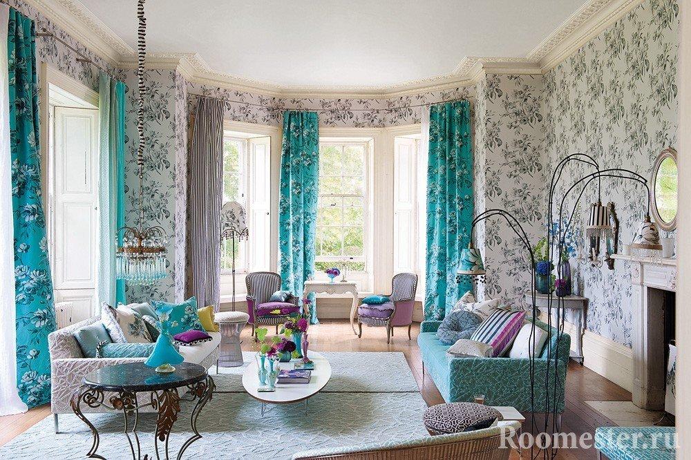 Полосатые и бирюзовые шторы