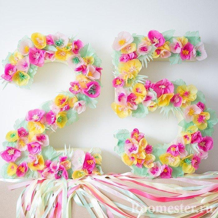 Декорирование цифр цветами