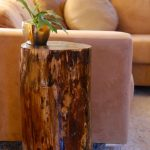 Тумбочка из бревна