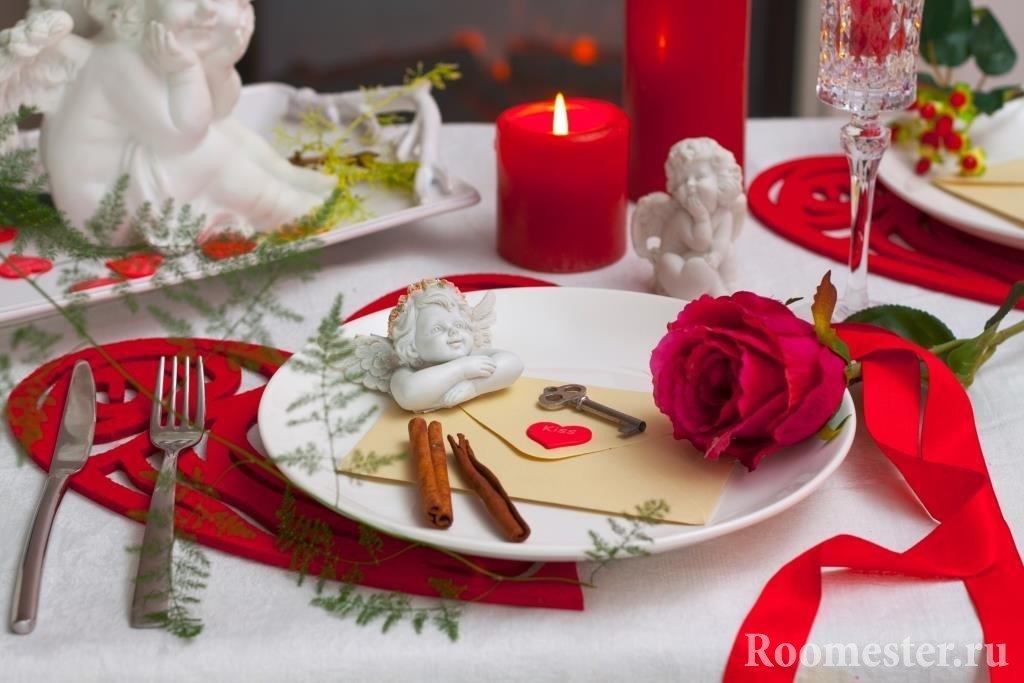 Украшение к романтическому ужины
