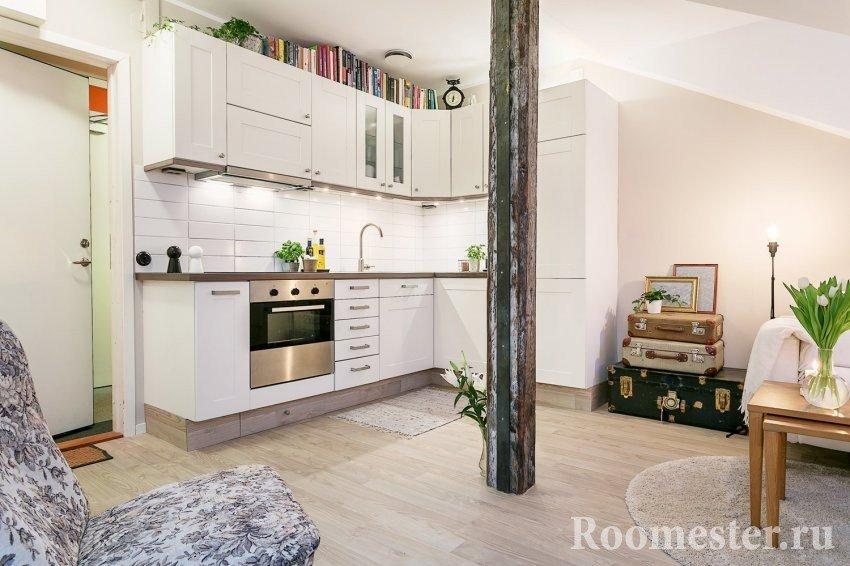 Кухонный гарнитур в углу в квартире-студии