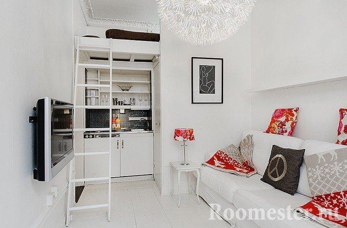 Кровать под потолком над кухней