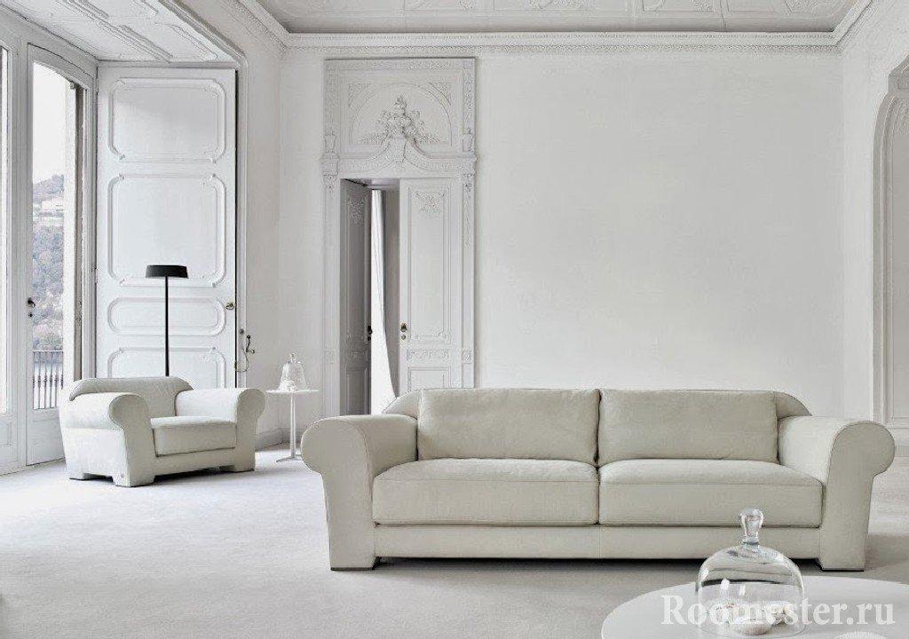 Полностью белая комната