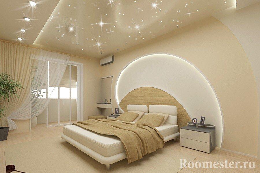 Звездное небо на потолке спальни