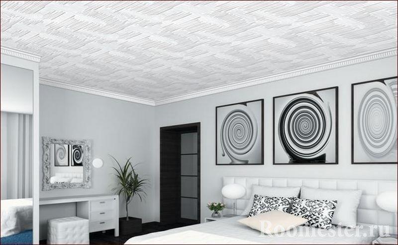 Спальня со светлым интерьером