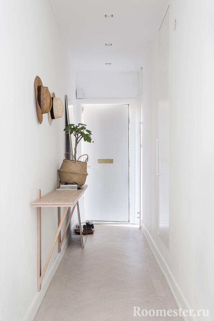 Длинный коридор из прихожей