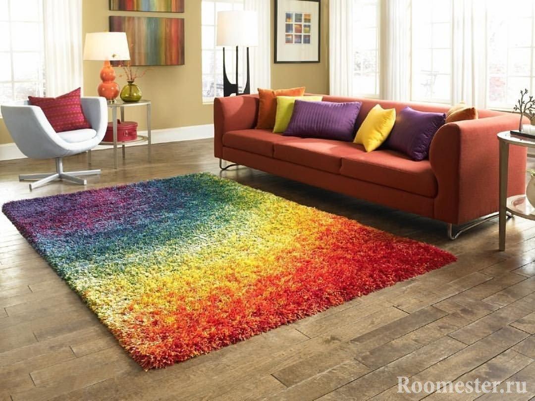 Цвет ковра в светлой комнате