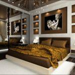 Полки с подсветкой у изголовья кровати