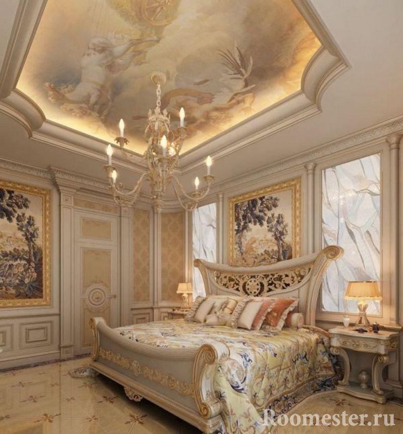Пейзаж на потолке спальни