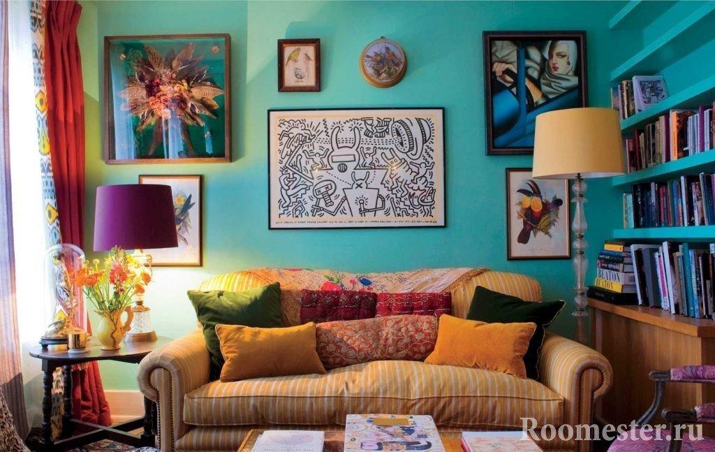 Картины над диваном в интерьере