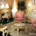 Шикарная старинная мебель в комнате