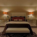 Лампы у кровати