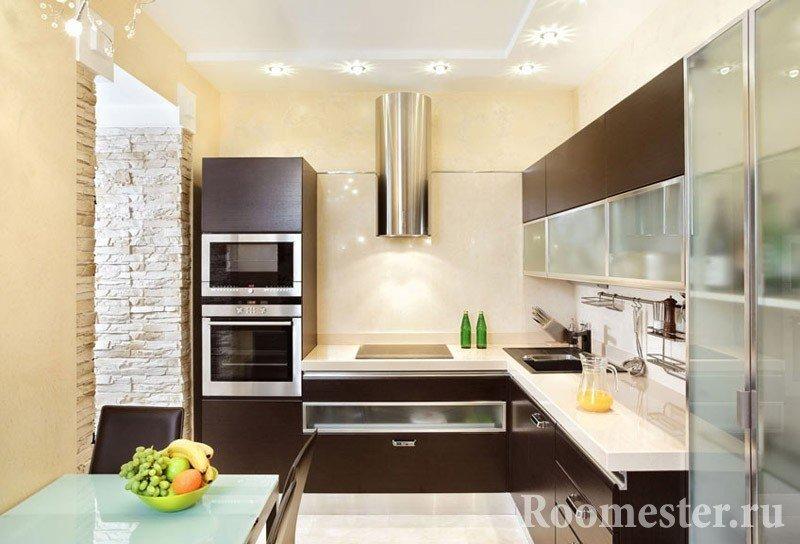 Кухонная мебель шоколадного цвета