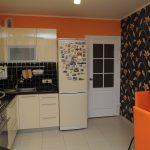 Оранжевый интерьер кухни