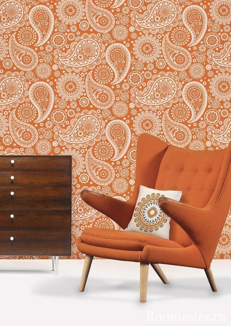 Оранжевое кресло в интерьере