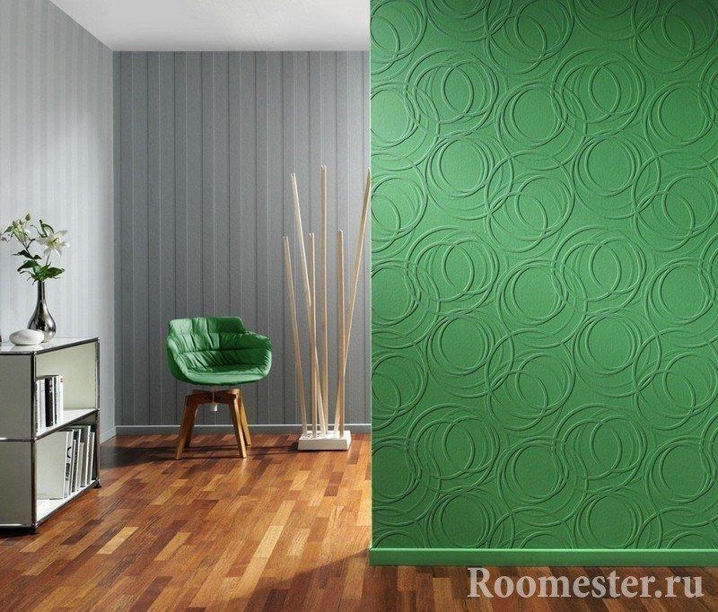 Сочетание серого и зеленого цвета на стене