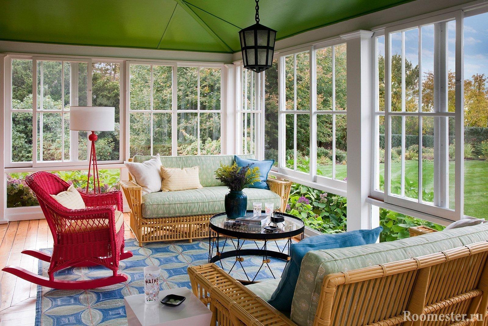 Плетеная мебель в гостиной