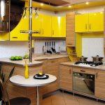 Желтые шкафы на кухне