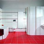 Красный пол и белые стены