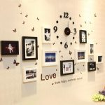 Часы и фото на стене