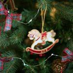 Лошадка на елке