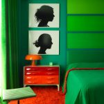 Картины у кровати