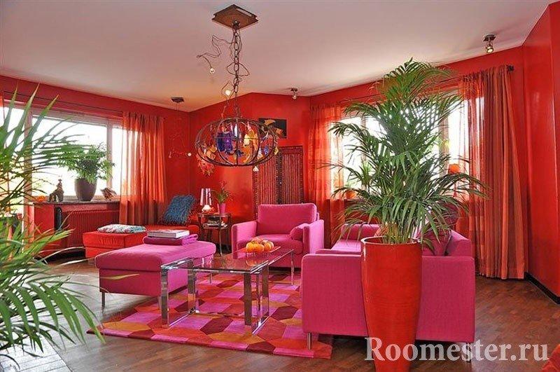 Розовая мебель в гостиной