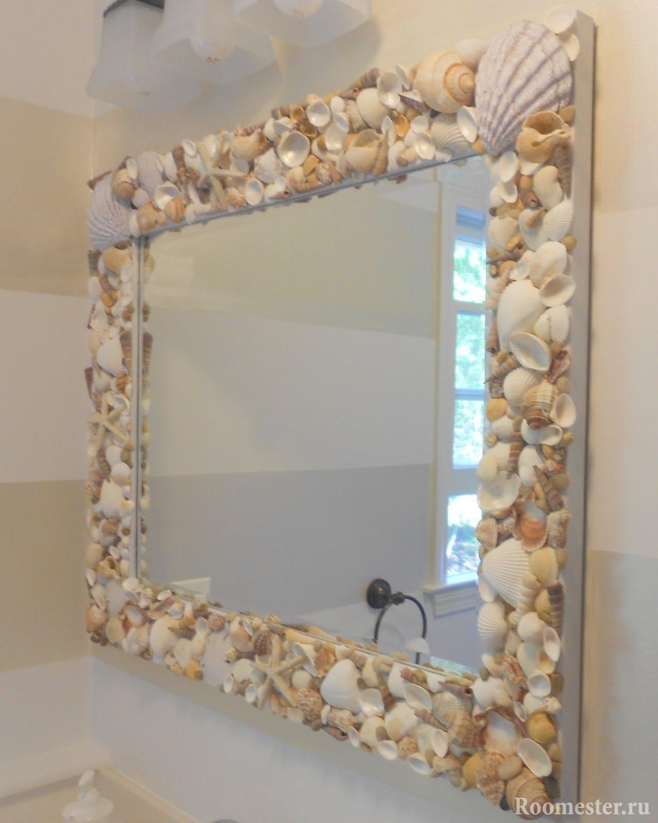 Ракушки вокруг зеркала