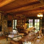 Интерьер комнаты из камня и дерева