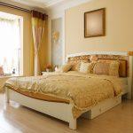 Дорогая мебель в спальне