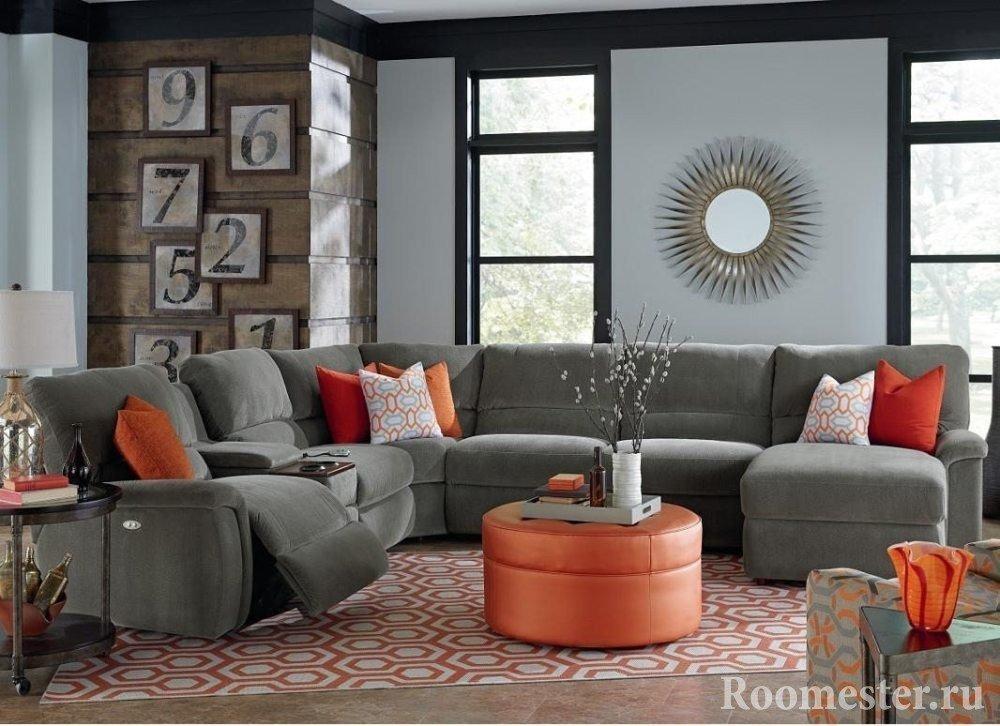 Серо-оранжевый интерьер-комнаты
