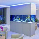 Шикарный аквариум в гостиной