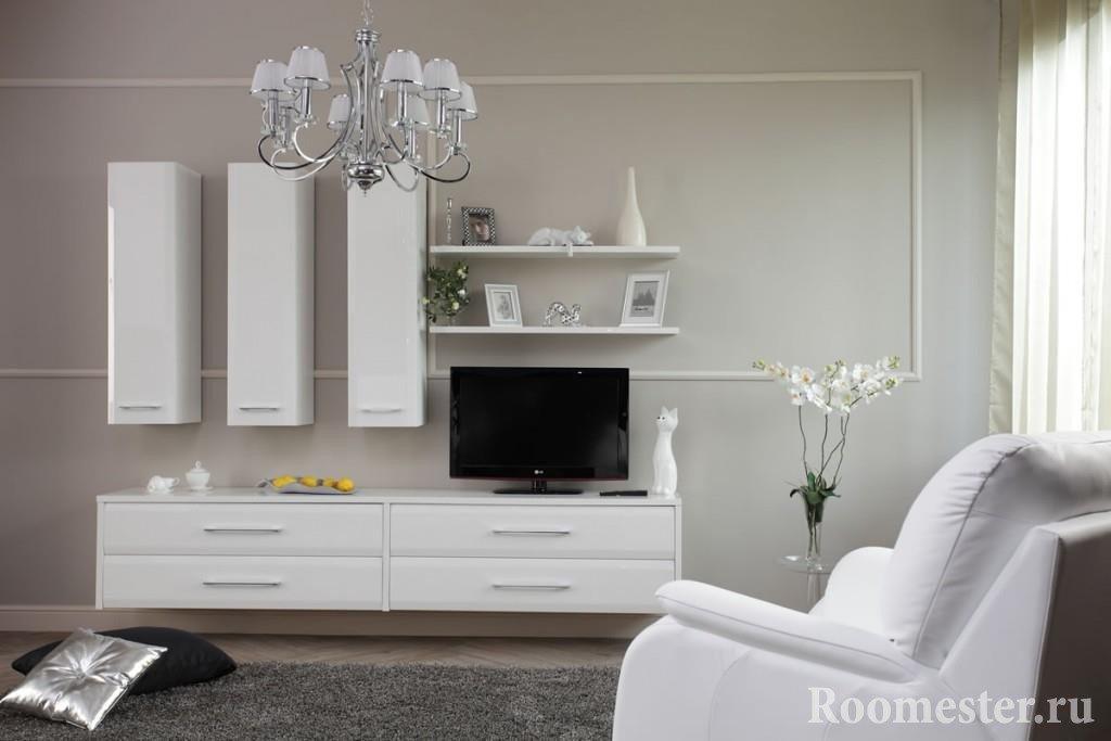 Комната с белой мебелью