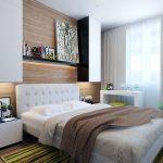 Яркий ковер в спальне