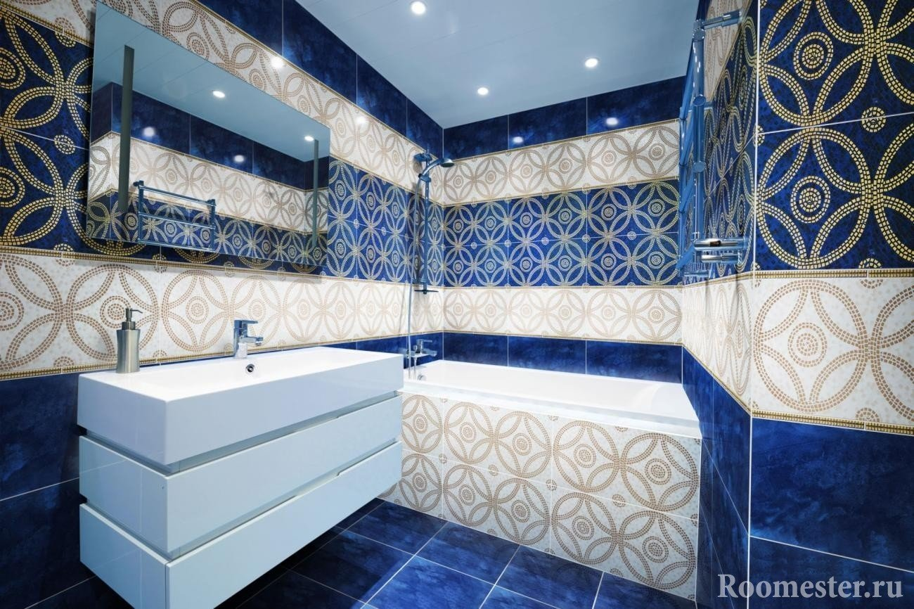 Tiles with patterns in the bathroom