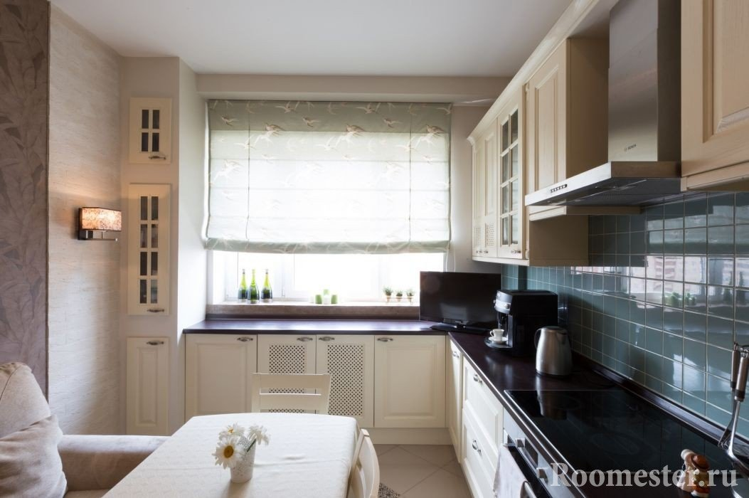 Светильник на стене кухни