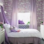 Кровать с сиреневым балдахином