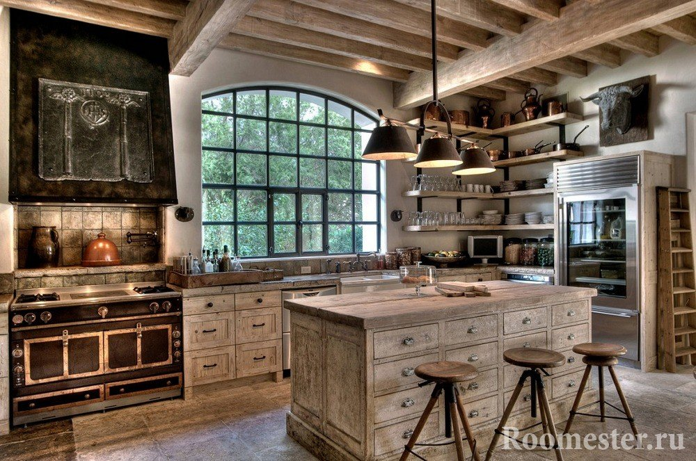 Голова буйвола в интерьере кухни