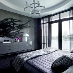 Необычная люстра в мужской спальне