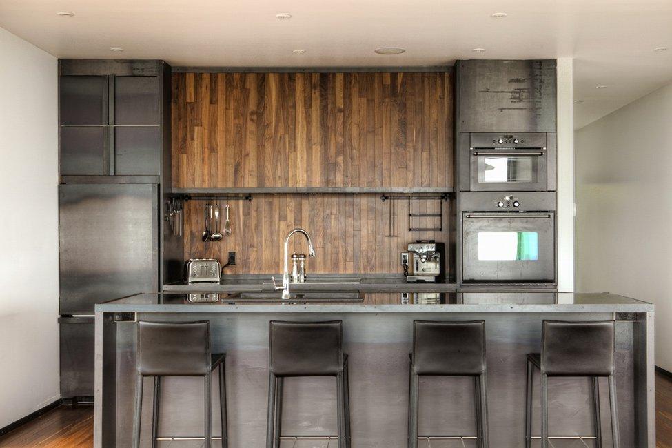 Кухня с мужским интерьером