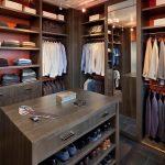 Тумбочка для обуви в гардеробной